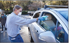 Curiosity leads to mass distribution of masks in  Rossmoor