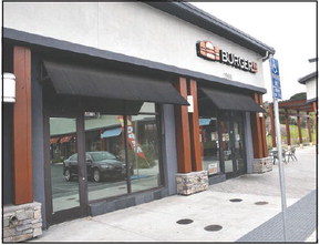 Yogurt shop, pizza place planned for shopping center